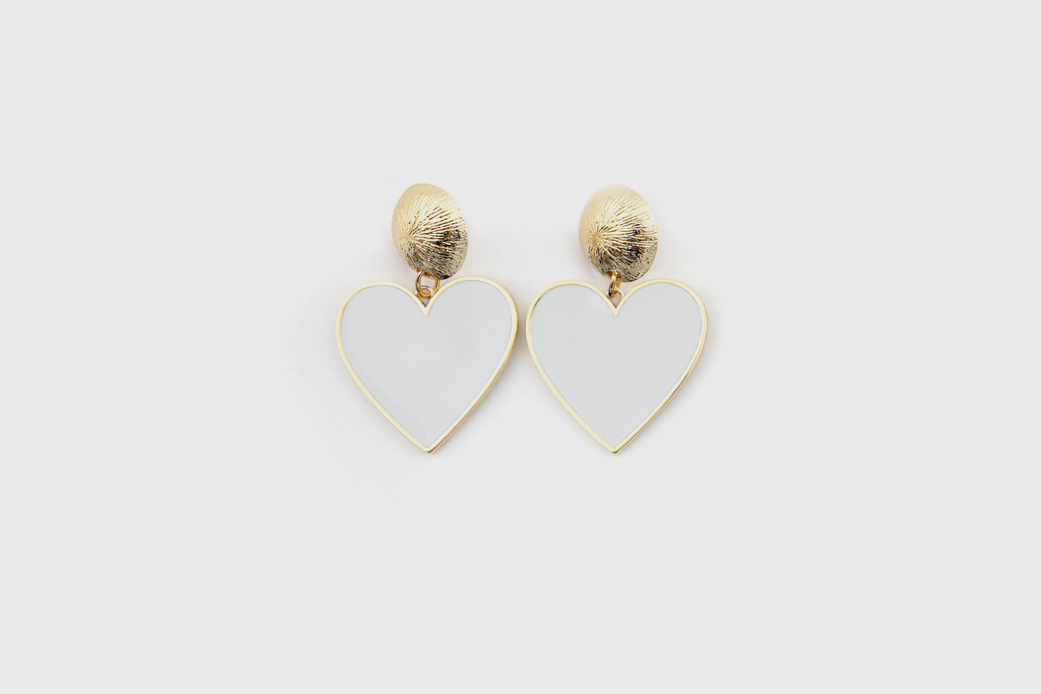 arete-pin-corazon-blanco